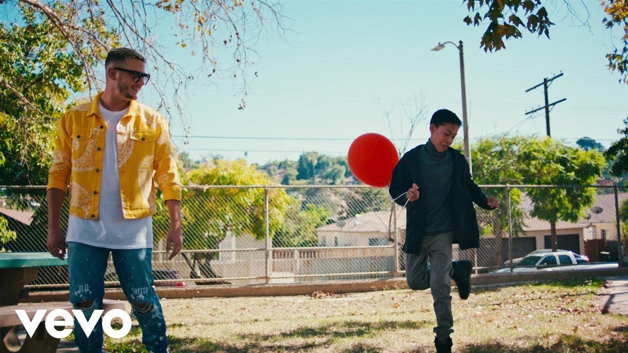 dj snakeが a different way ft lauv のミュージック ビデオを公開